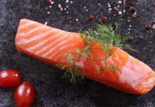 cá hồi kỵ với thực phẩm nào